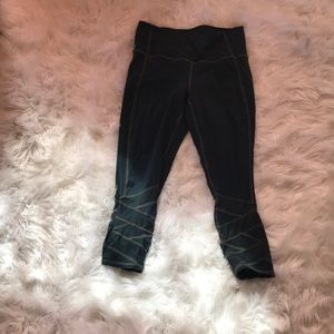 ATHLETA medium Capri mesh leggings